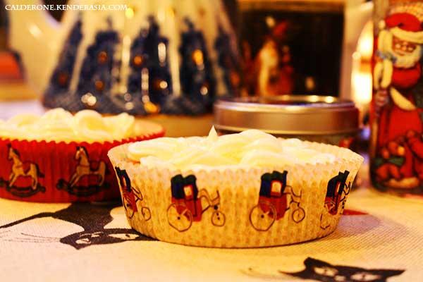 Poppy Lemon Cupcake